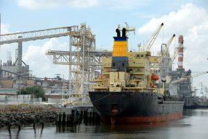 lavoratori e problemi nei cantieri navali di amianto